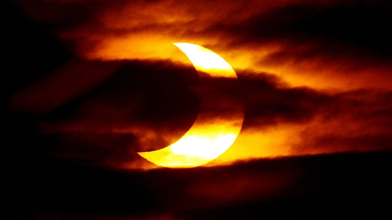 El eclipse total de sol incluye flor de sorpresa ¡Enterate cuál es! thumbnail