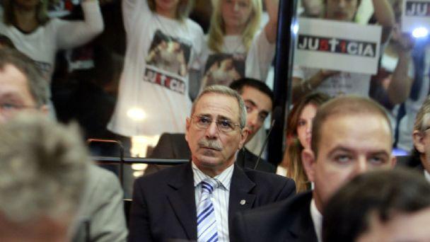 Ricardo Jaime revive la furia de los familiares de las víctimas de ...