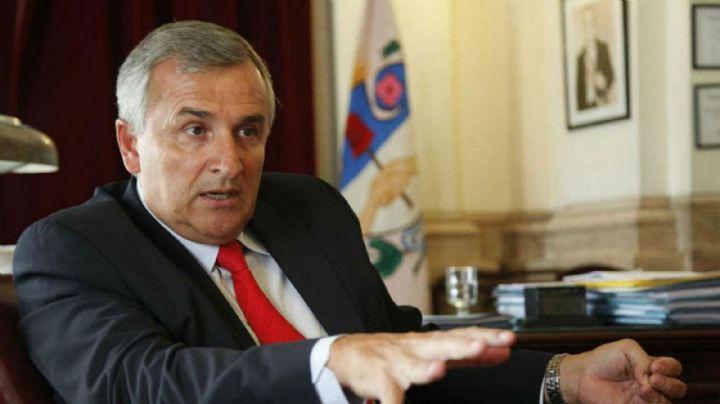 """Denuncian al gobernador Gerardo Morales por """"ejercicio ilegal de la medicina"""""""