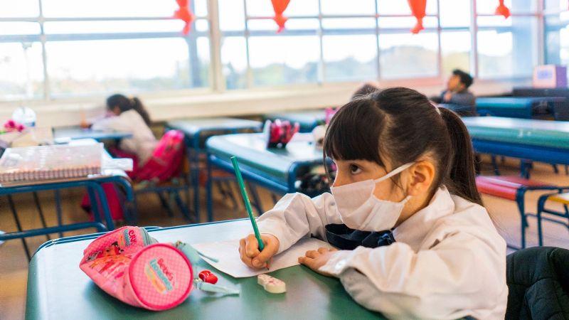 Clases presenciales en Neuquén: qué pasará ante un caso positivo de coronavirus