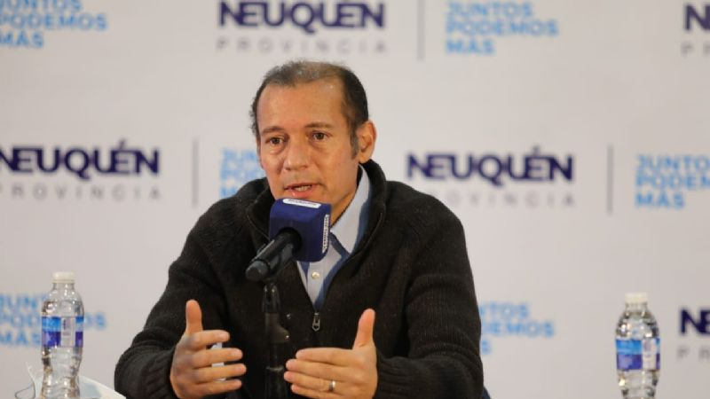 """""""Gracias por ser un ejemplo de orgullo e identidad"""", dijo Omar Gutiérrez en Zapala"""