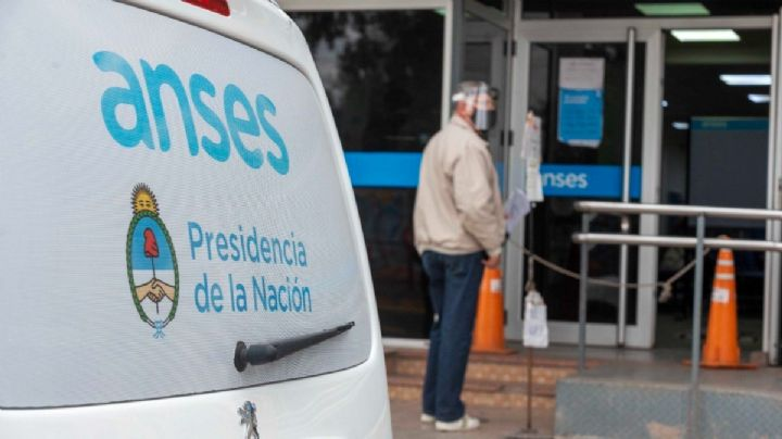 Jubilaciones, pensiones y AUH: la ANSES dio a conocer el cronograma de pagos del próximo mes